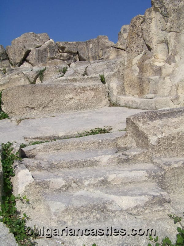 bulgarian castles perperikon 10