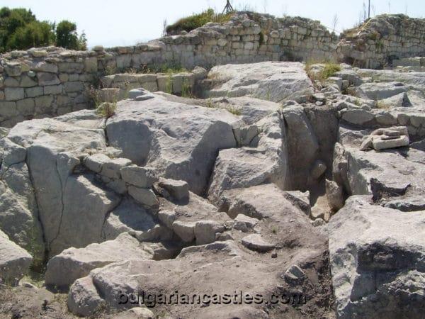bulgarian castles perperikon 16