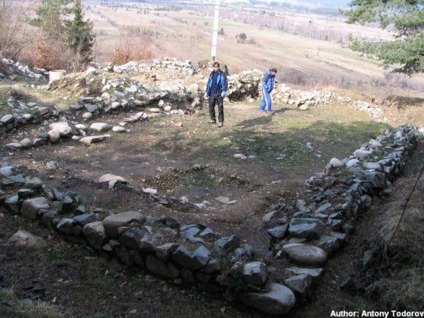 bulgarian castles shishmanovo kale 11