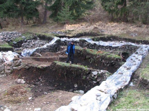 bulgarian castles shishmanovo kale 20
