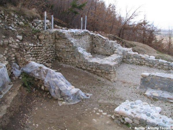 bulgarian castles shishmanovo kale 29