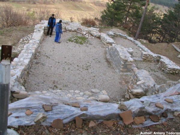 bulgarian castles shishmanovo kale 31