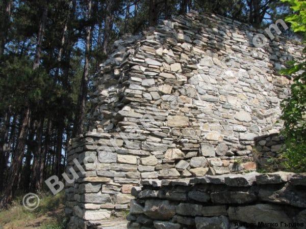 bulgarian castles tsepina 14
