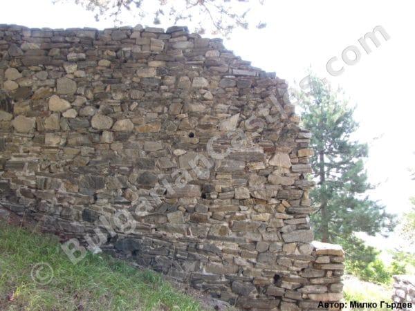 bulgarian castles tsepina 16