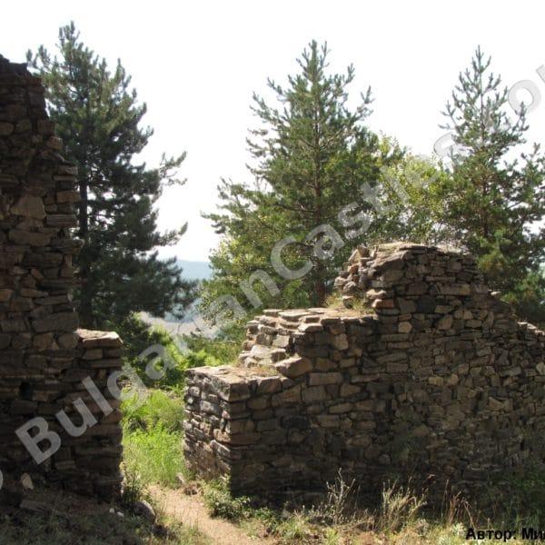 bulgarian castles tsepina 17