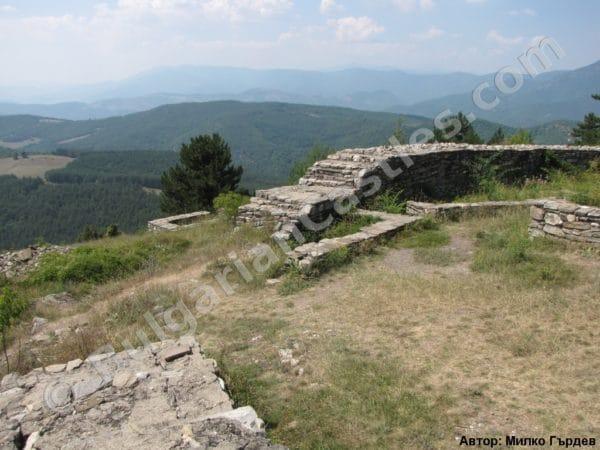 bulgarian castles tsepina 32
