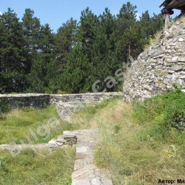 bulgarian castles tsepina 34