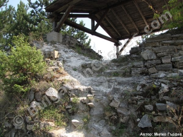 bulgarian castles tsepina 38