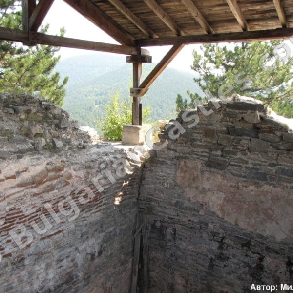 bulgarian castles tsepina 40