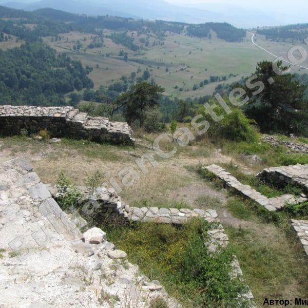 bulgarian castles tsepina 42