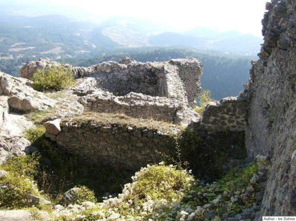 bulgarian castles ustra 2