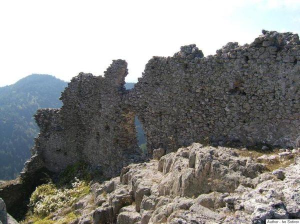 bulgarian castles ustra 3